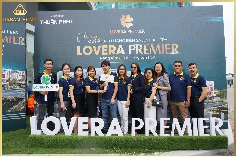 Đội ngũ nhân viên Dream Home tham dự lễ ra mắt