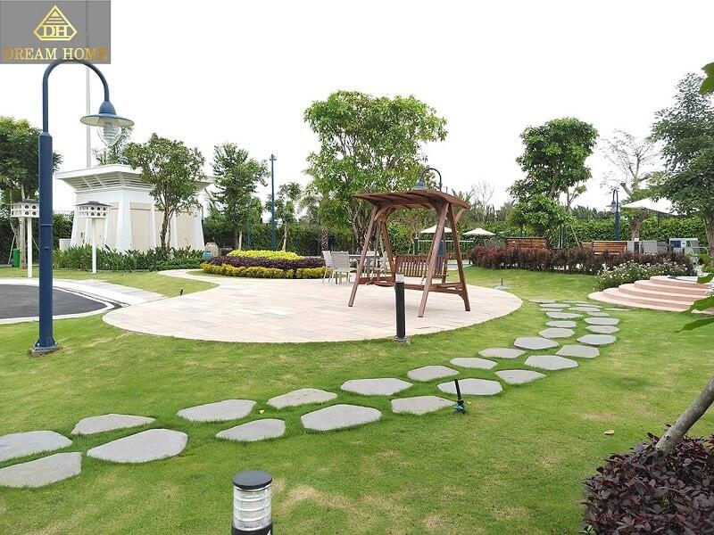 công viên đi bộ trong verosa park khang điền quận 9