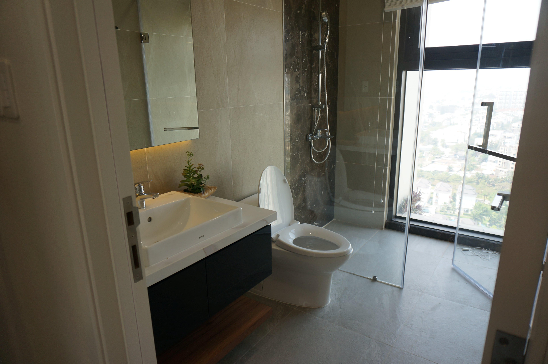 toilet-penthouse-jamila